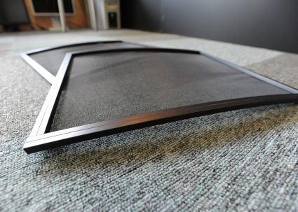 ハイエース 網戸 窓枠のカーブ