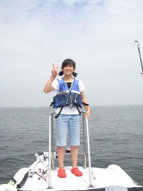 ボートをハイエースにヒッチメンバー取付て引っ張る