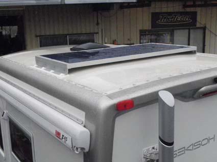 【ハイエース電装】200系ハーエースをベースとしたキャンピングカーにソーラーパネルを設置