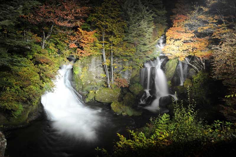 日光の風景 竜頭の滝 ライトアップ